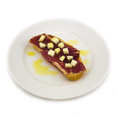 Tosta de Cecina, receta con Aceites Valdezarza.